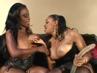 Dark lesbo big boobs rubbing