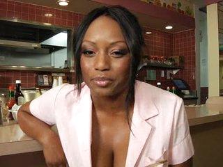 Dark waitress bonks the chef in the restaurant
