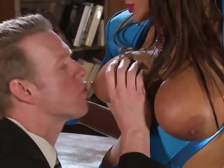Breasty dark brown Lisa Annin blue gloves makes guy pleased
